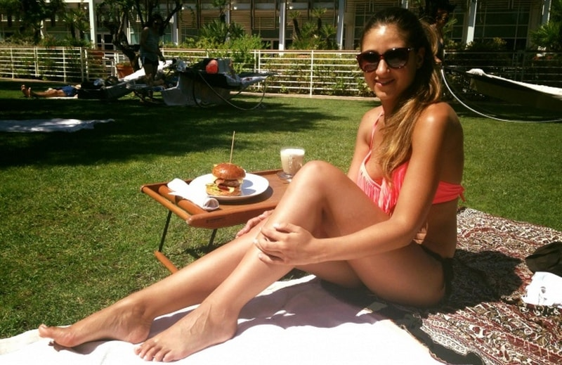 Ана Маркес в купальнике