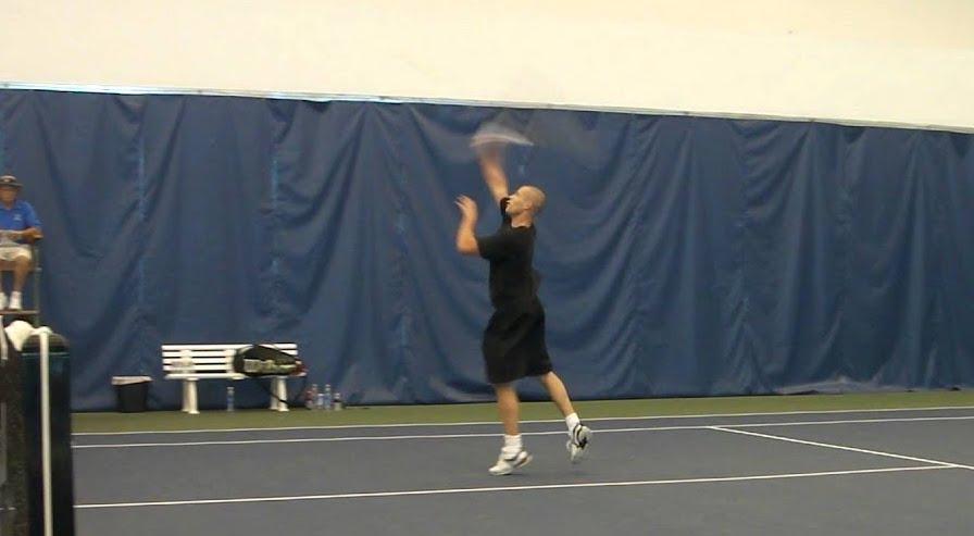 Антониус на теннисном корте