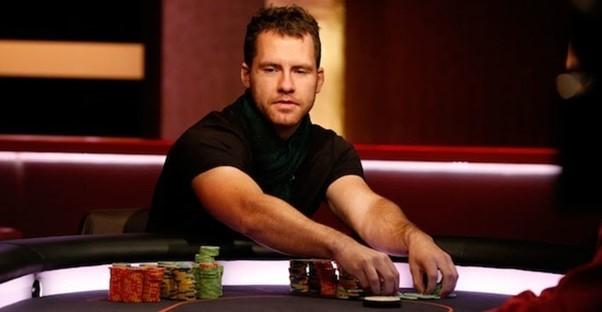 Даниэль Кейтс за покерным столом