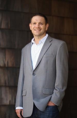 Дерек Чарльз - управляющий партнер Max Value Software, которой принадлежат PokerTracker и Hold'em Manager