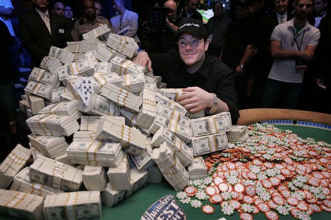 Джейми Голд с выигранными деньгами
