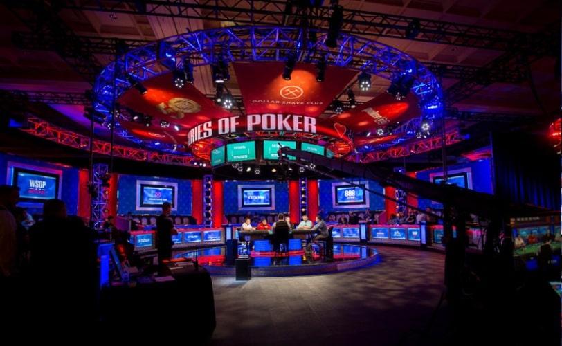 Финальный стол турнира Event № 1: $500 Casino Employees Event