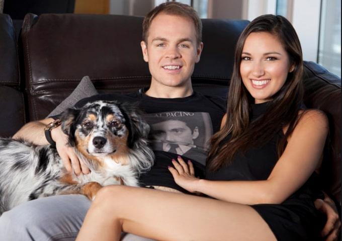 Эндрю Робл с женой и собакой
