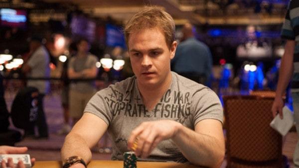 Эндрю Робл за покерным столом