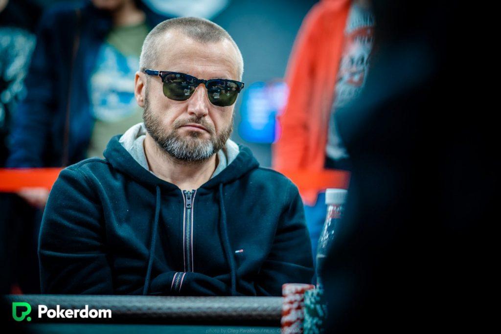 Андрей Кайгородцев покидает стол с призом в 599,200 руб.