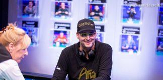 Phil-Hellmuth-Wins-15th-Career-Bracelet