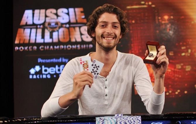 Курганов с призом на Aussie Millions в 2013 году