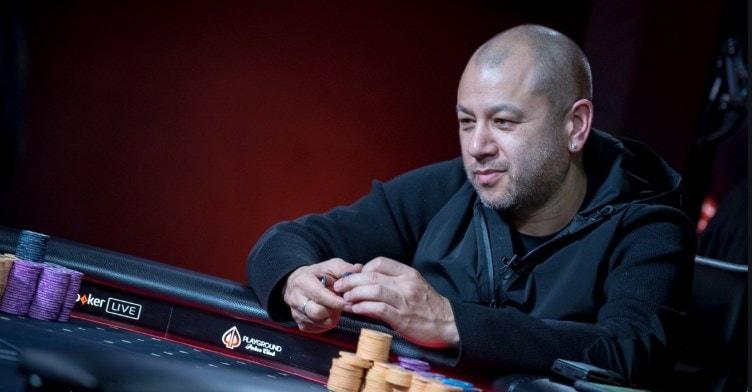 Роб Янг за покерным столом