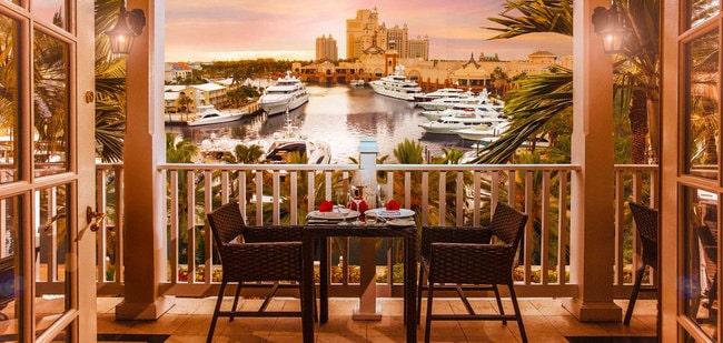 Столик в ресторане Martinique