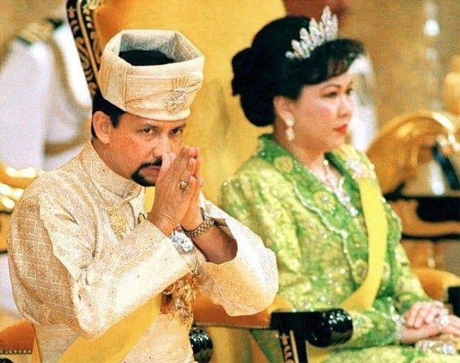 Султан Брунеи и его бывшая жена