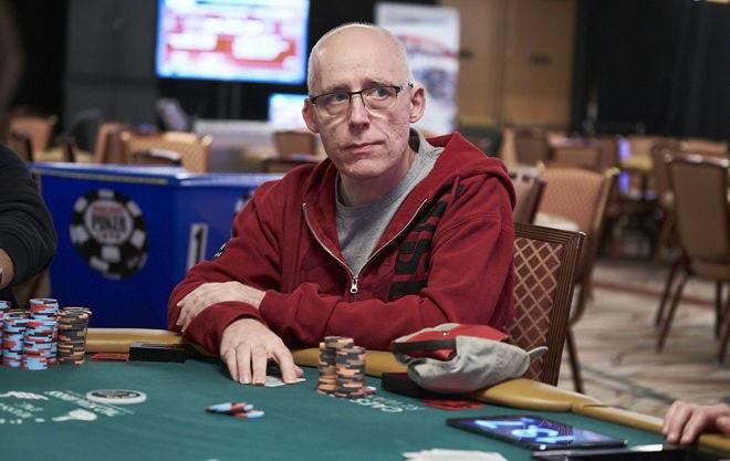 Талал Шакерчи за покерным столом