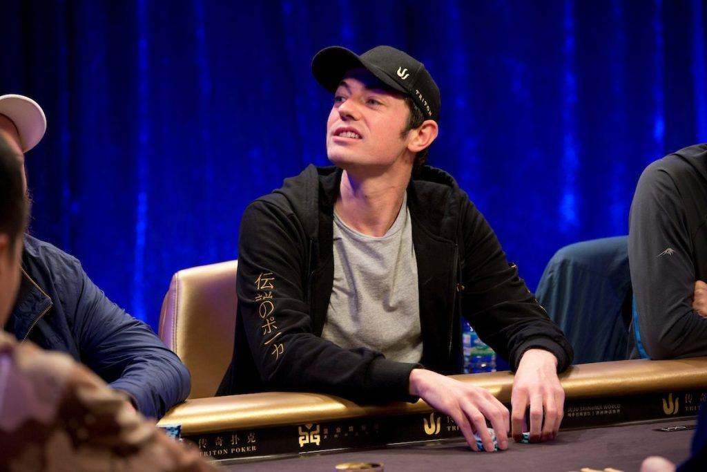 Том Дван за столом Triton Poker