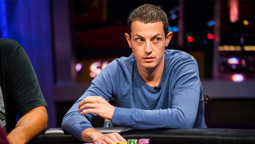 Том Дван за покерным столом