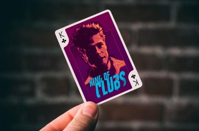Трефовый король «King of Clubs» с изображением Тайлера Дердена в исполнении Бреда Питта