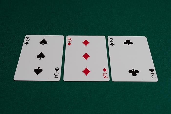 флоп 3-3-2