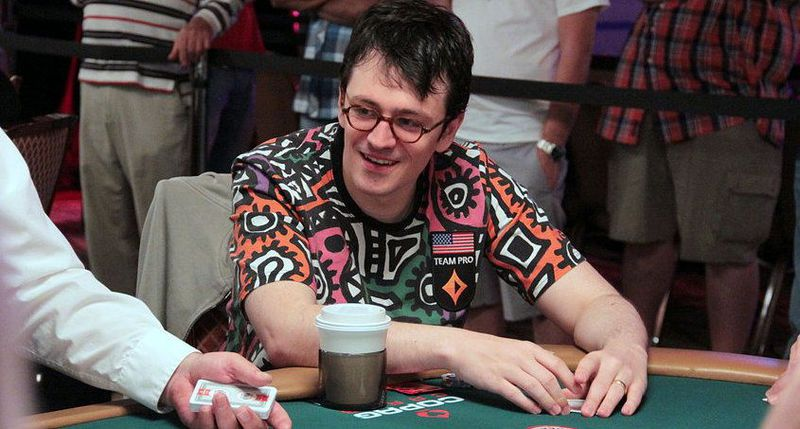 Хэкстон за покерным столом