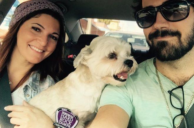 Наташа и Джейсон Мерсье и их собака