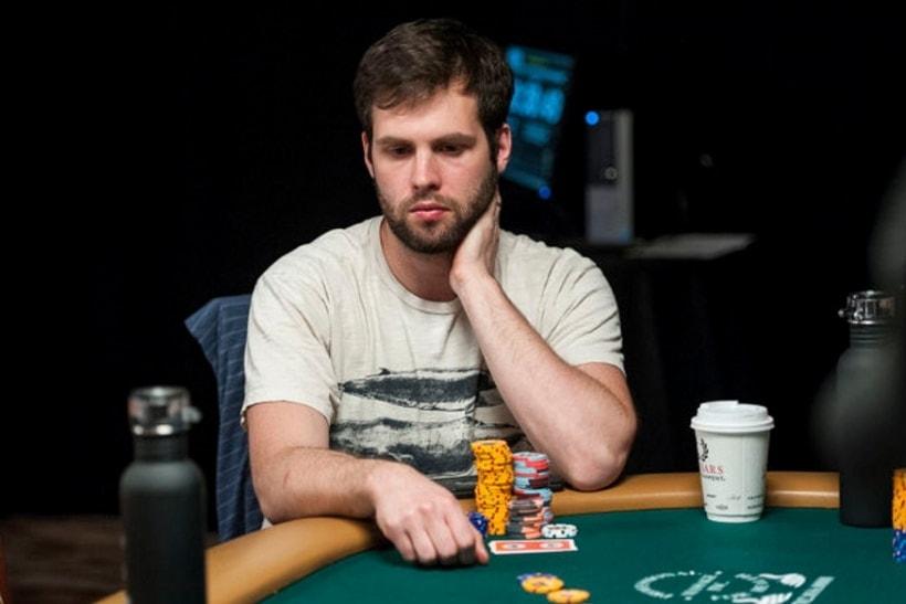 Сульски за покерным столом
