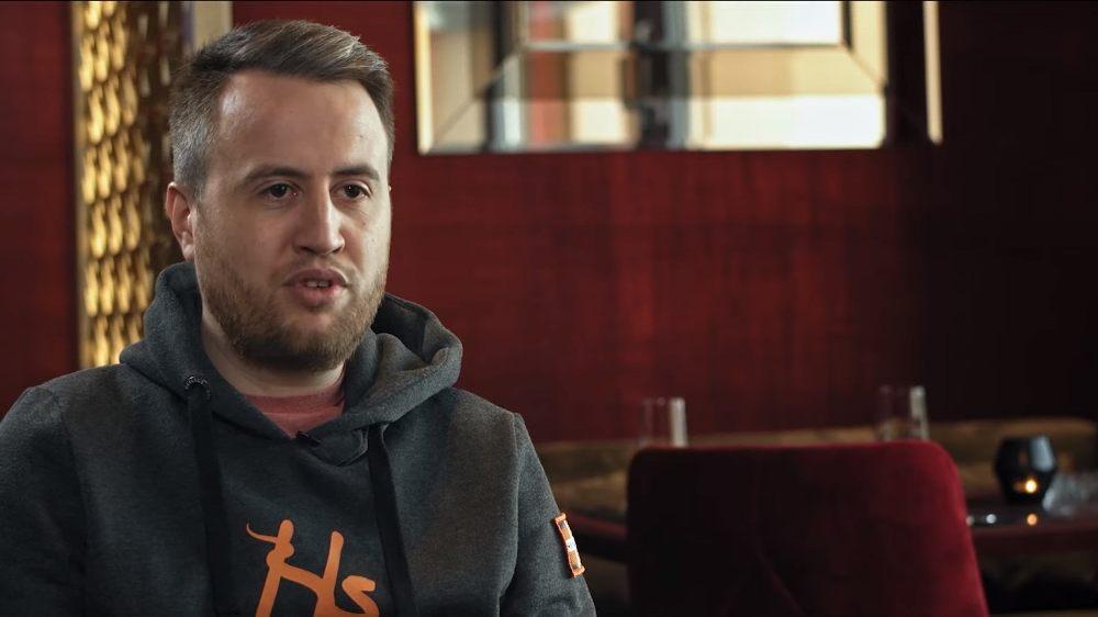 Дитрих Фаст дает интервью