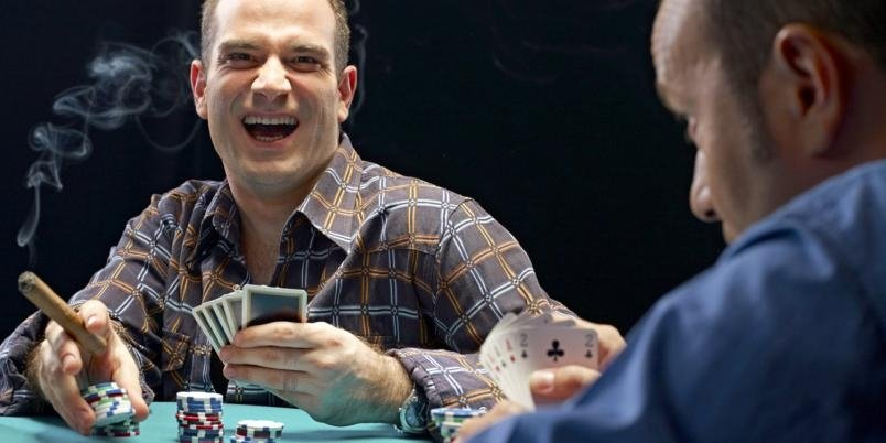 маньяк в покере имеют высокую красную