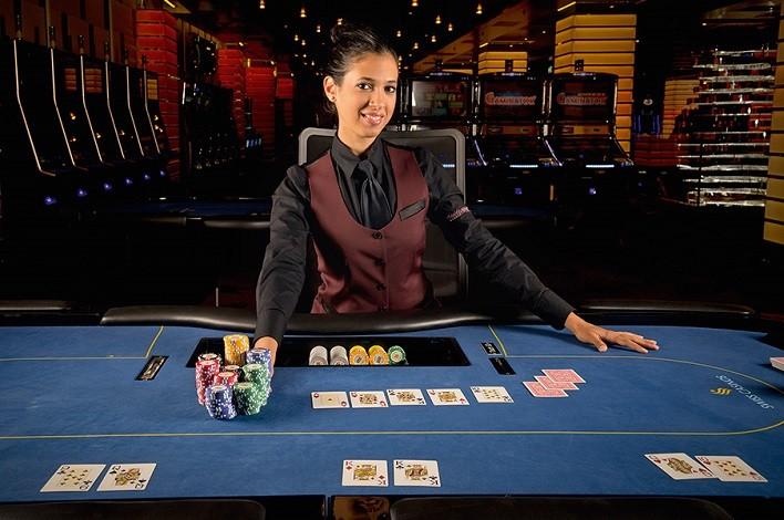 Онлайн покер с живым дилером на русском популярное казино на деньги онлайн