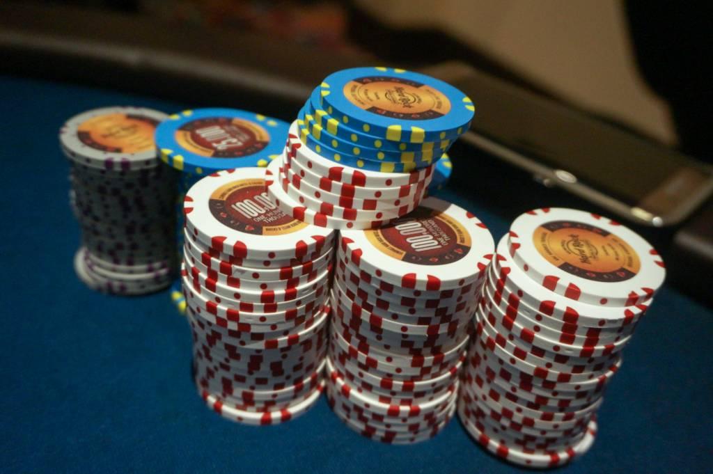 Фишки казино стопка из 20 фишек казино ростов работа